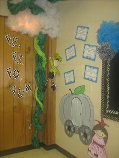 fairytale theme - fee fi fo fum beanstalk (in library? Fairy Tale Crafts, Fairy Tale Theme, Nursery Rhymes Kindergarten, Preschool Art, Fairy Tale Activities, Craft Activities For Kids, Daycare Themes, Classroom Themes, Fairy Tales Unit