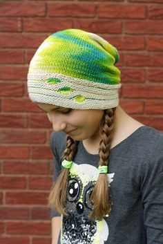 This slouchy hat will ward off a crisp, fall chill in style! If you prefer a more fitted hat, simply stop knitting earlier than called for in the pattern and proceed directly to the decrease instructions. Knit Crochet, Crochet Hats, Slouchy Hat, Ear Warmers, Beautiful Patterns, Yarn Crafts, Knitting Yarn, Knit Patterns, Ravelry
