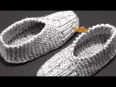 Knit Slippers Free Pattern, Baby Booties Knitting Pattern, Knitted Slippers, Knitting Socks, Knitting Patterns Free, Crochet Patterns, Knit Shoes, Crochet Shoes, Tunisian Crochet