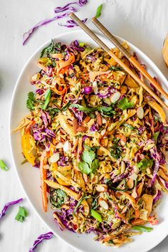 This Thai Crunch Salad is full of color and bold fresh flavors. Fresh herbs, shredded cabbage, and crunchy bell peppers all come together with a creamy peanut dressing. This easy recipe is the perfect Summer Salad Recipes, Chicken Salad Recipes, Summer Salads, Thai Chicken Salad, Good Salad Recipes, Dinner Salad Recipes, Summer Dishes, Keto Chicken, Winter Recipes