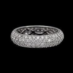 RING, 144 briljantslipade diamanter, tot. 2.15 ct.  18k vitguld. St 18/54