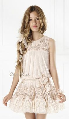 Dresses for girls. Dresses for girls. Girl Fashion Style, Tween Fashion, Little Girl Fashion, Look Fashion, Cute Girl Dresses, Little Girl Dresses, Flower Girl Dresses, Robes De Confirmation, Robes D'occasion