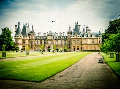 Waddesdon Manor Just 1 Hour North Of London Popular Wedding Venue For Indian Couples