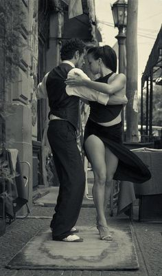 Must learn tango. / Tango by Maria Churkina Just Dance, Dance Like No One Is Watching, Break Dance, Shall We ダンス, Shall We Dance, Danse Salsa, Dance Movement, Argentine Tango, Salsa Dancing