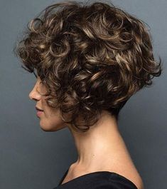 Brunette Bob Short Curly Style with Highlights Short Natural Curly Hair, Short Curly Hairstyles For Women, Short Curly Bob, Short Pixie Haircuts, Curly Hair Cuts, Short Curly Styles, Curly Bob Hairstyles, Short Hair Cuts, Curly Hair Styles