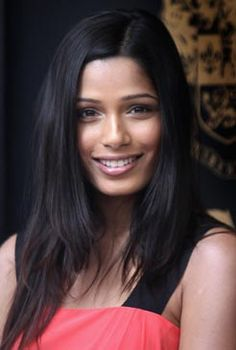 Freida Pinto has just the most perfectly symmetric face EVER