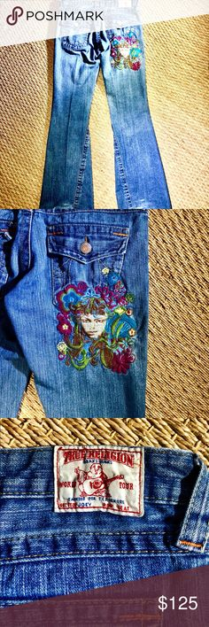 True religion Joey Embroidered Jeans True Religion Joey Embroidered Jeans  Size 28 Gently worn just a few times.   Great jeans for the embroidered clothing rage.  Shirt is also for sale in my closet.  Smoke free and pet free home! True Religion Jeans Flare & Wide Leg