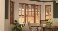 Wood Blinds are perfect for a dining room #decor #windowblinds #homedecor #diningroom