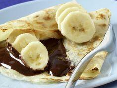 Crepes mit Schokolade und Bananen #crepes #pfannkuchen #eierkuchen #banana #nutella #nuss #nougat #creme #suess #suessspeise #dessert #nachtisch