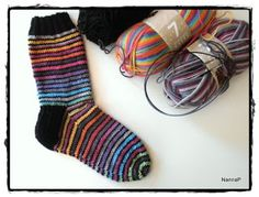 Silmukoita: Räsymattosukat Knitting Socks, Knit Socks, Slouchy Hat, Knit Or Crochet, Leg Warmers, Mittens, Knitting Patterns, Sewing, Rainbows