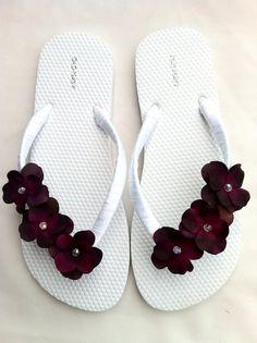 "White ""Anna"" sandal - $20"
