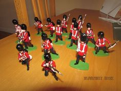 VINTAGE COLDSTREAM GUARDS IN ACTION CRIMEAN WAR SOLID CAST BRITAINS TYPE | eBay