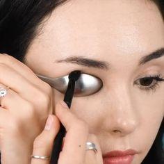 Beauty Tips Eyes, Beauty Makeup Tips, Makeup Art, Beauty Hacks, Makeup Hacks, Diy Beauty, Black Girl Makeup Natural, Natural Eye Makeup, Asian Eye Makeup