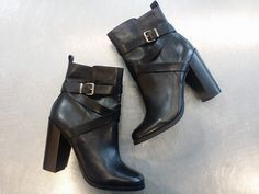 Every girl needs a great pair of black leather ankle boots, and these #Aldo booties are just that – Such a classic, versatile look, there's no doubt they will quickly become your go-to shoes for every occasion! #PlatosClosetBrampton //Aldo booties, 8.5, NEW $25//   www.platosclosetbrampton.com