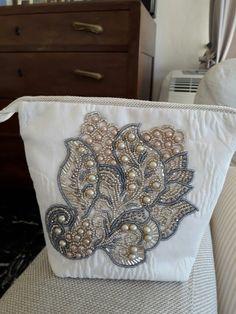 Pochette bead embroidery  Ricamo a mano