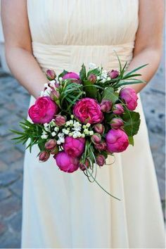 pink wedding flowers bouquet with a touch of white, pure charme