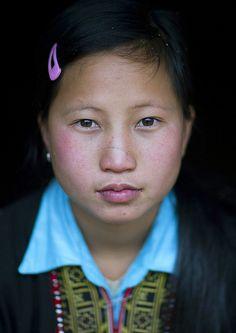 Red Dzao Girl, Sapa, Vietnam http://viaggi.asiatica.com/