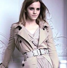 A Emma Watson é um exemplo para atrizes que começam a carreira cedo. Ela é linda, talentosa, discreta (nunca a vimos em nenhum escândalo). A Burberry acertou em cheio contratando-a para algumas campanhas publicitárias, ela é mesmo a cara e o estilo do que estava faltando por aí. Confiram o vídeo que ela fez para …