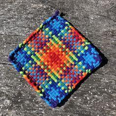 Items similar to Turkish Delight Woven Potholder on Etsy Potholder Loom, Potholder Patterns, Crochet Potholders, T Shirt Weaving, Loom Craft, Weaving Projects, Craft Projects, Weaving Patterns, Loom Weaving