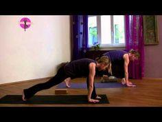 Yoga im Fluss üben für Anfänger zum Mitmachen (15 Minuten) - YOGAMOUR #10 - YouTube