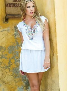 This gorgeous white cover-up is a dream for the artist, its exquisite fabrics and designs make this beautiful work of art a must have item. Get it today and shine! FEATURES Hand made embroidery detail Elastic waistline cotton V neckline Swimsuits 2014, Swimwear, Beach Dresses, Summer Dresses, White Cover Up, Bandeau Bikini, Dresses 2016, Fashion Outfits, Final Sale