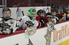 Teams watch their competition from the bench. #1on1 #YouthHockey