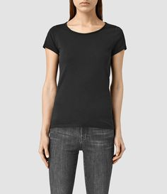 Mujer Vetten Tee (Black) - product_image_alt_text_1