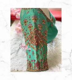 Sleeve Designs, Blouse Designs, Sequin Skirt, Sequins, Skirts, Sleeves, Blouses, Fashion, Moda