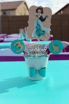 Fashionable children's parties 2019 - Celebrat : Home of Celebration, Events to Celebrate, Wishes, Gifts ideas and more ! Princess Birthday Party Decorations, Aladdin Party, Disney Princess Birthday Party, Birthday Party Centerpieces, 2nd Birthday Parties, 4th Birthday, Birthday Ideas, Jasmin Party, Princess Jasmine Party