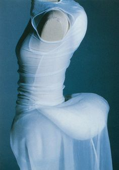 Comme des Garçons S/S 1997 photographed by Kishin Shinoyama for Six magazine Issue Spring 1997 Fashion Images, Fashion Art, Vintage Fashion, Fashion Design, Fashion Trends, Fashion History, World Of Fashion, Pretty Outfits, Beautiful Outfits