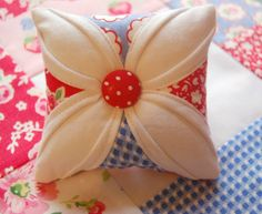 oh so cute!  I'm making this right now in PKM Fabric, of course