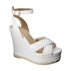 white wedge want these so bad. Wedge Shoes, Shoes Sandals, Heels, Wedge Sandals, Cute Shoes, Me Too Shoes, White Wedges, Only Shoes, Beautiful Shoes