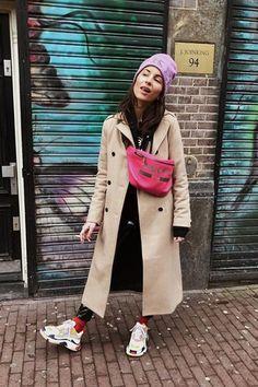 Empiezan las Fashion Week y las instagramers ya tienen planeado los conjuntos para cada día. Un complemento que no puede faltar es el bolso. Aquí te desvelamos los más originales y los que verás en el street style de la próxima temporada.