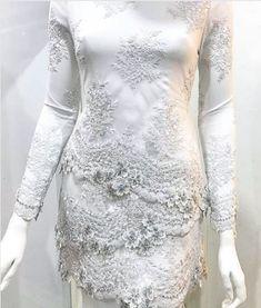 baju nikah putih Kebaya Hijab, Kebaya Muslim, Batik Kebaya, Fashion Wear, Hijab Fashion, Womens Fashion, Dress Brokat, Kebaya Brokat, Little Dresses