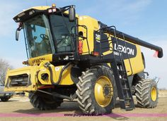 2010 Lexion Claas 580R RWA combine | Item K3495 selling at Wednesday March 30 Ag Equipment Auction | Purple Wave, Inc.