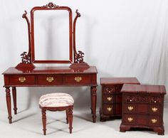 ~ Carved Mahogany Bedroom Suite 7 Pieces ~ new.liveauctioneers.com