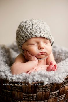 The quality and handling of light in this newborn portrait gives me Goosebumps ~ WOW!