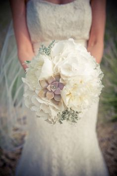 Destination weddings are always dreamy, but an intimate destination wedding in Provence? That enters an entirely new level of lovely. This stunning soiree captured by Sages Comme des Images is just. Chic Wedding, Floral Wedding, Perfect Wedding, Wedding Bouquets, Wedding Ceremony, Dream Wedding, Wedding Day, Destination Wedding Inspiration, Wedding Flower Inspiration