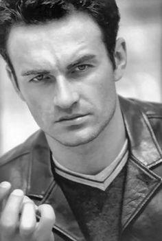 Julian McMahon - Actor