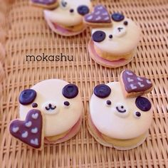 Mokashu Macarons.