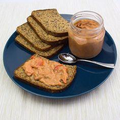 Paté de atún con pimientos 🌶 ¡Corre a tu centro Lev y pruébalo con el pan de cereales Lev!