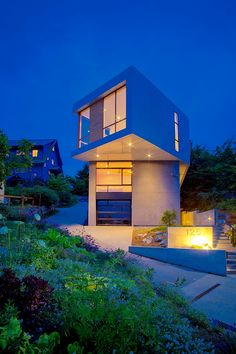 Phinney Ridge House by Logan's Hammer