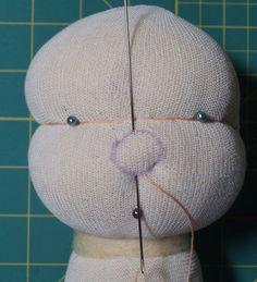 kostenlose Anleitung wie man eine Puppennase für Waldorfpuppen macht bei Ellis Puppen mit Herz - liebevoll handgefertigte Puppen nach Waldorf Art