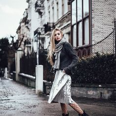 Different structures: metallic silver skirt, knitwear, mesh tights, leather boots People Around The World, Real People, Silver Skirt, Metal Fashion, Fall Winter Outfits, Leather Boots, Knitwear, Zara, Cold