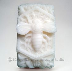 Queen Bee Soap (Off-White) - Soap Studio