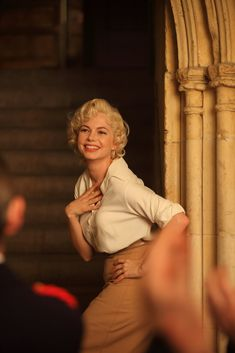 """my favourite scene, if i have to choose one from michelle williams' charmingly perfect performance, would be this (""""shall i be her?"""") -- my week with marilyn"""