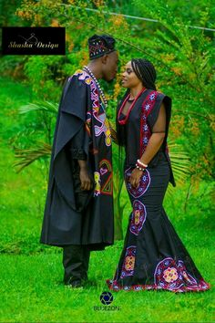African Wedding Attire, African Attire, African Theme, African Dresses Men, African Women, Traditional African Clothing, Traditional Wedding Attire, Embroidery On Clothes, Queen Fashion