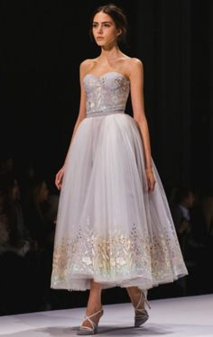 roadtothealter:    Ralph & Russo Couture