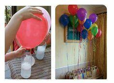 Llenar los globos en su casa - Sustitución del Helio No más corriendo hacia atrás para llenar globos con helio! Sólo tienes que mezclar vinagre y bicarbonato de soda! Necesitamos: • 1 botella de plástico de coca cola, • Globos (Se recomienda, para obtener mejores resultados llenar el globo y dejar salir el aire una o dos veces por lo que no se necesita tanta fuerza para comenzar a llenarlo con la mezcla) • 1 cucharadita de bicarbonato de sodio, para llenar el globo, aumenta las cantidades pr...