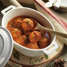 Albóndigas de ternera y garbanzos con tomate. Curry, Dishes, Eat, Ethnic Recipes, Food, Empanadas, Ideas Para, Salsa, Christmas